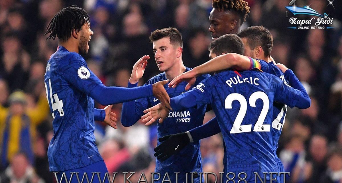 Chelsea Unggul 4 Poin Dari Tottenham