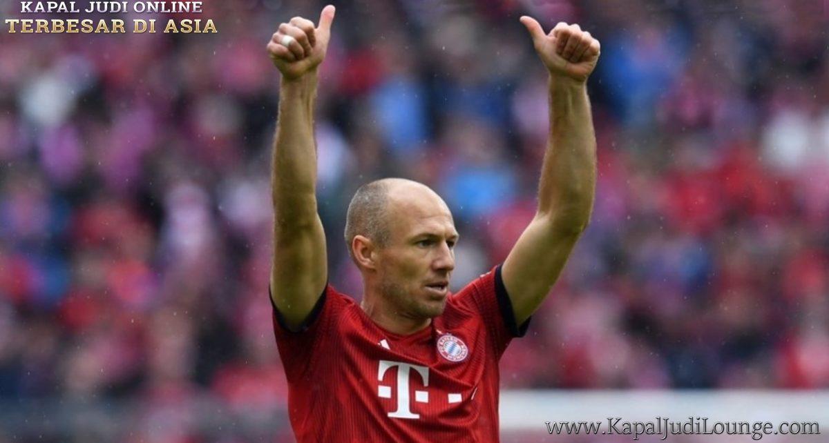 Walau Sudah Pensiun Arjen Robben Masih Ingin Bermain