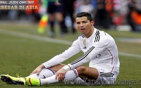 Cristiano Ronaldo Tidak Bisa Ikut Latihan?