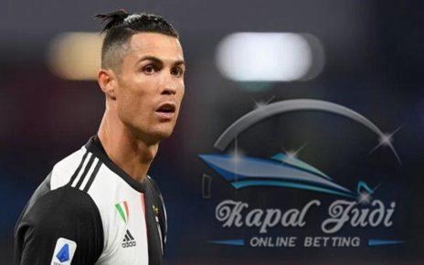 Ronaldo Maju Mundur Tetap Salah