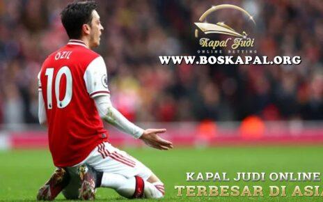 Arsenal Harus Minta Maaf dan Mainkan Mesut Ozil